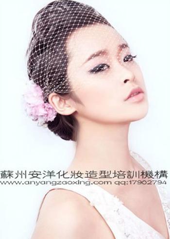 2013新娘造型集锦 打造不同风格的俏新娘