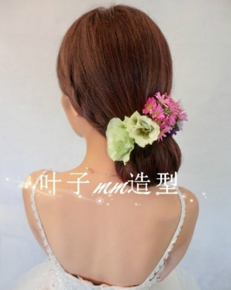 新娘编发发型 散发花漾森女气质图片