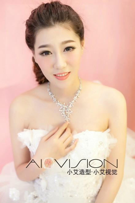 2014最新新娘妆容造型 展现新娘温婉之美