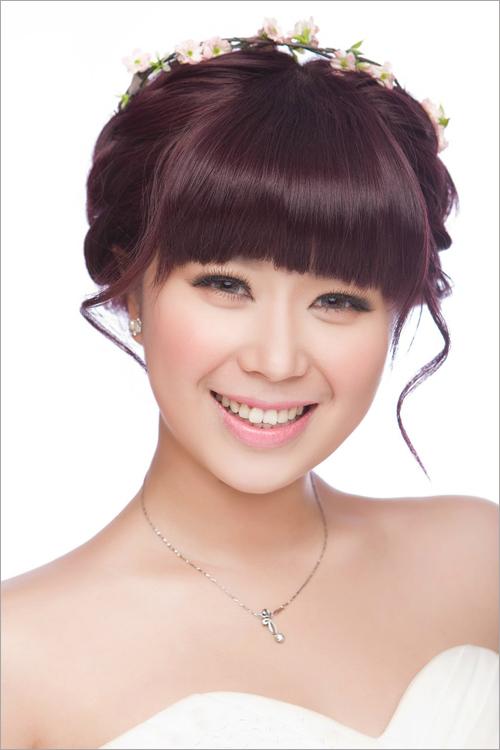 2014齐刘海新娘发型 流露可爱甜美气息图片