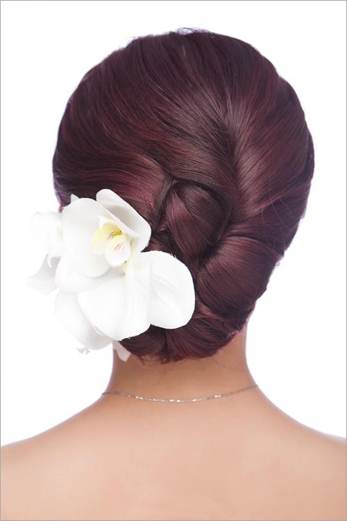 2014齐刘海新娘发型 流露可爱甜美气息
