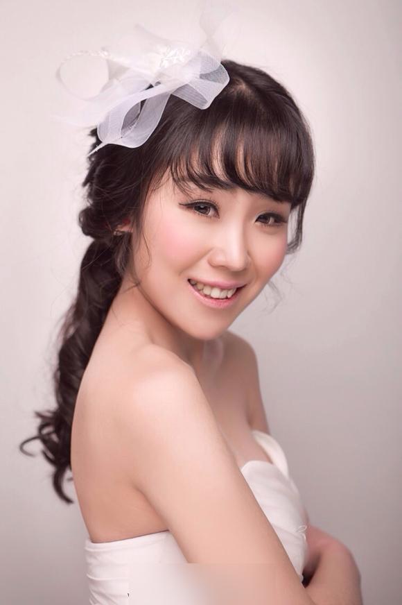 小清新新娘造型 洋溢幸福笑容