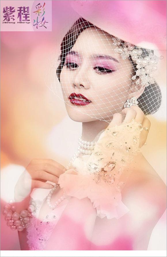 2014新娘彩妆造型 烈焰红唇显妩媚