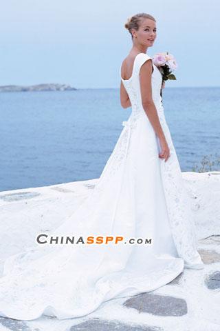 高贵华丽时尚婚纱礼服