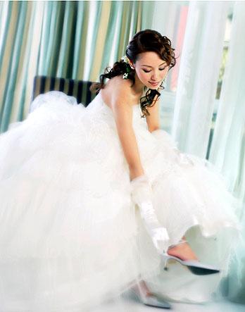 女明星穿婚纱的照片_鞠婧祎穿婚纱的照片