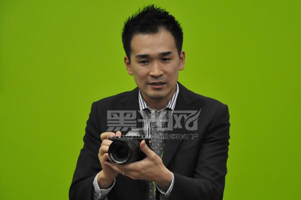 索尼数码影像产品部高级经理越智龙展示A7系列微单相机