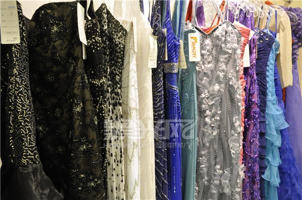 名瑞婚纱低价区