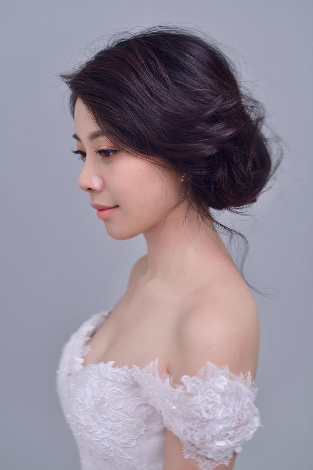 甜美可爱新娘发型