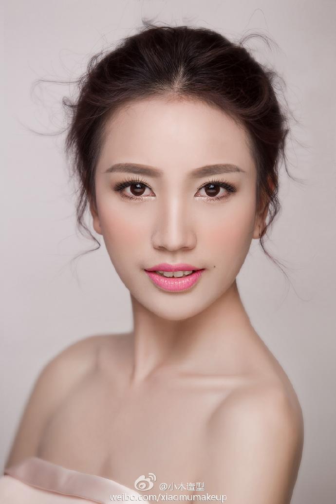 简约新娘发型化妆造型图片