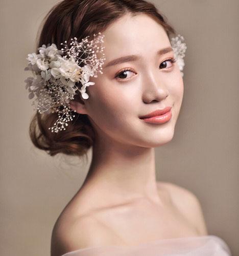 新淡雅新娘发型 化妆造型