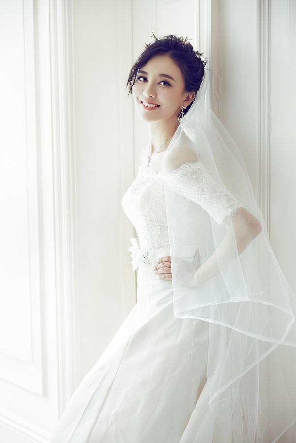 《时尚新娘》吕佳容 化妆造型图片