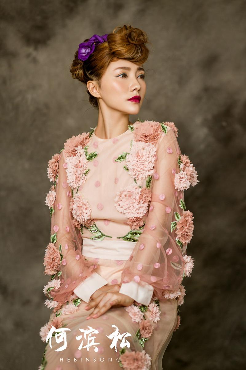 鲜花服装设计图