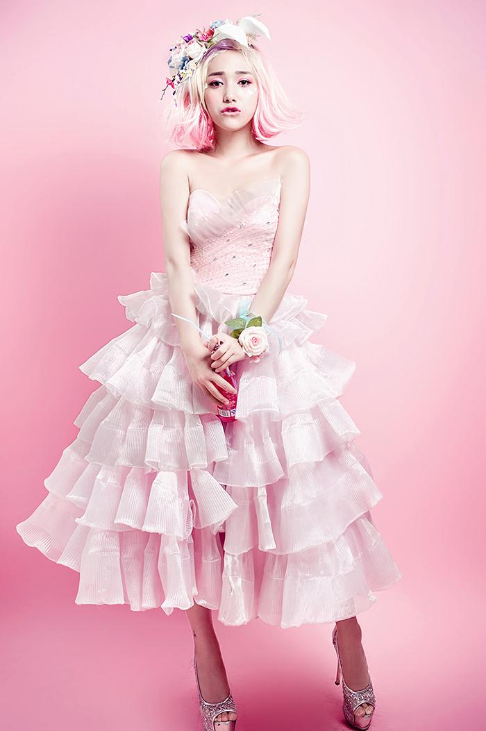 粉色芭比图片