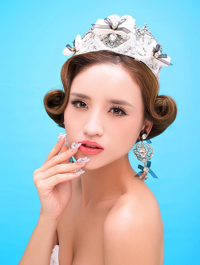 鲜花新娘妆 化妆造型
