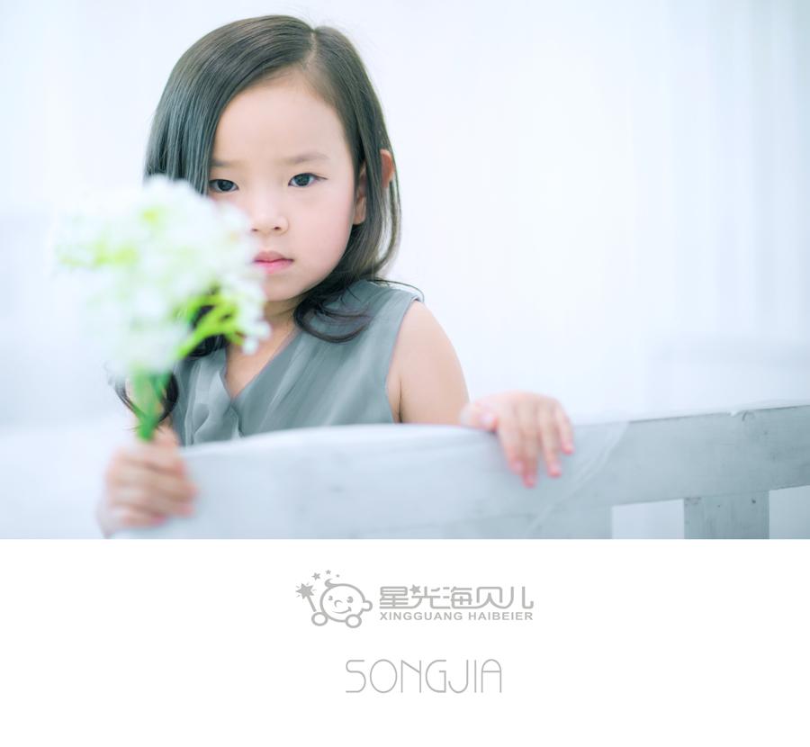 安静的小女孩  儿童摄影