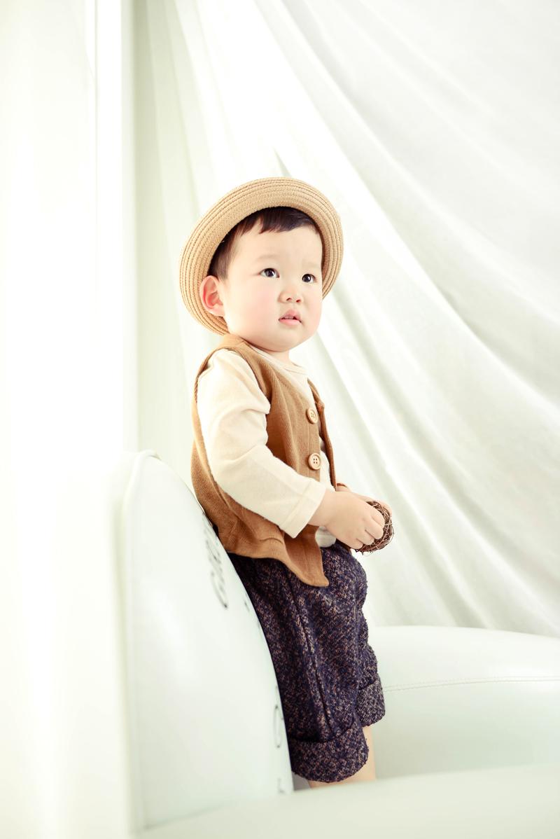 韩国可爱小男孩微信头像