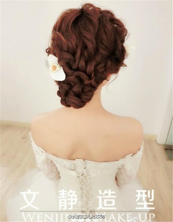 格式新娘发型欣赏_妆面赏析_影楼化妆_黑光网