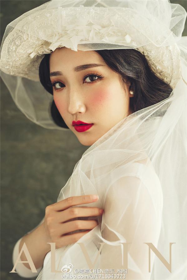 油画风格新娘造型欣赏(2)_妆面赏析_影楼化妆_黑光网