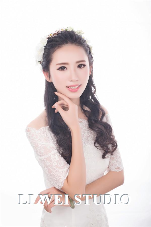 森系新娘造型欣赏(2)_妆面赏析_影楼化妆_黑光网