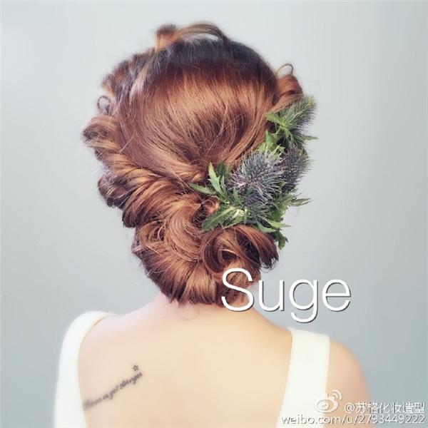 鲜花系列,干净唯美的发型最能体现新娘的柔美与