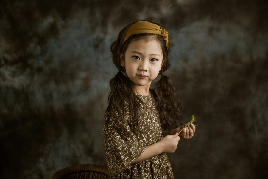 复古风(6)_儿童摄影_黑光图库_黑光网