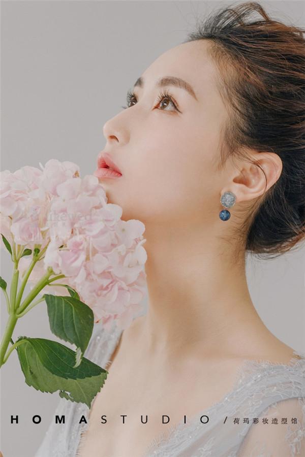 新娘鲜花造型_妆面赏析_影楼化妆_黑光网图片