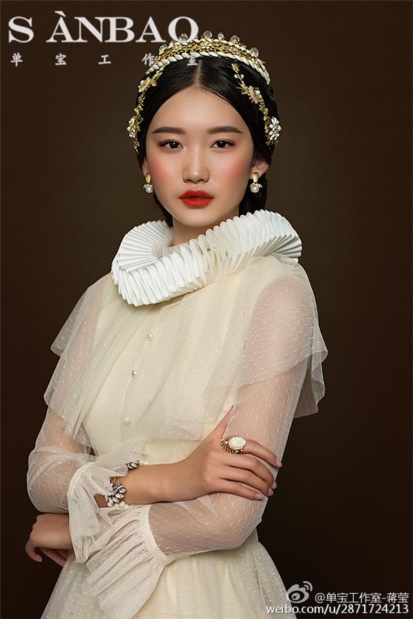 油画中的茜茜里公主,可爱的,温柔的,美丽的,善良的公主…&