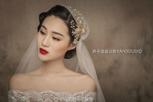 复古的新娘造型欣赏 烈焰红唇(2)_妆面赏析_影楼化妆