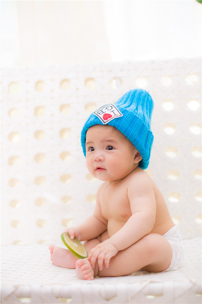 大眼婴儿可爱图片
