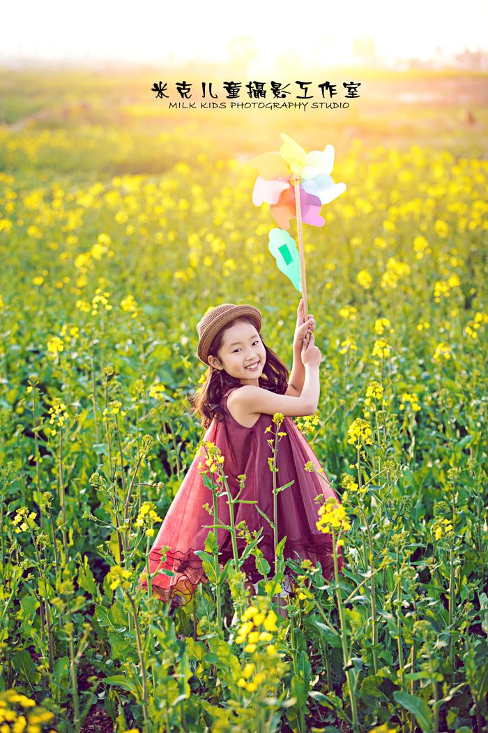 油菜花(3)_儿童摄影_黑光图库_黑光网