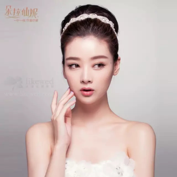 轻韩式优雅的新娘盘发