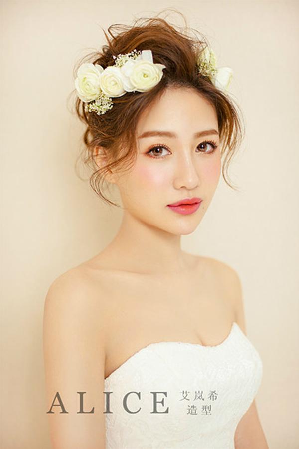 水润透亮的底妆,空气感造型,鲜花新娘.