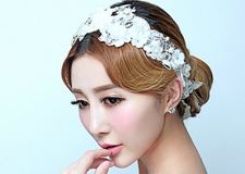 简约时尚的韩式新娘盘发