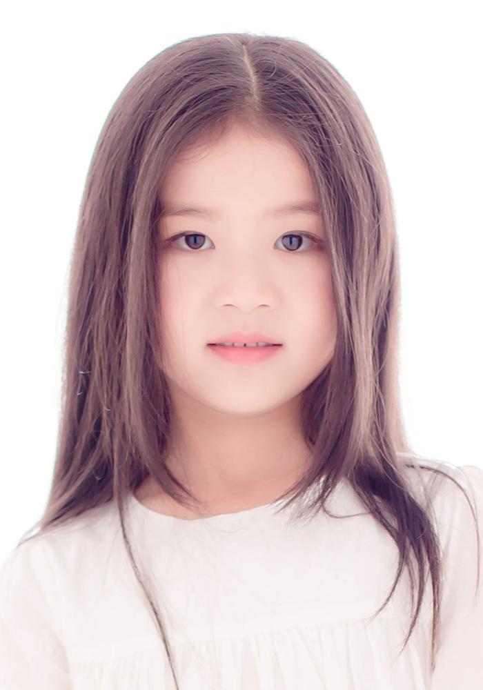 大眼睛(5)_儿童摄影_黑光图库