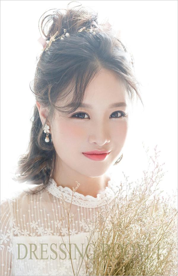 韩式复古妆容_甜美阳光的韩式妆容_妆面赏析_影楼化妆_黑光网