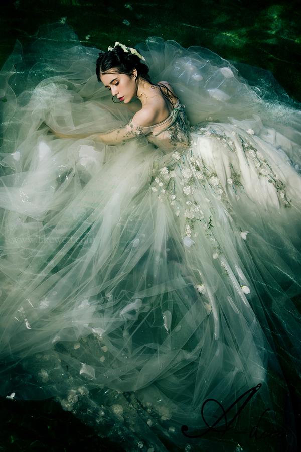 森林系水仙子新娘造型图片