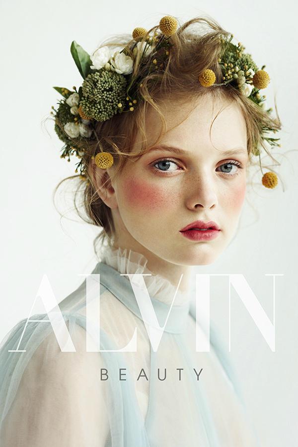 巧妙运用鲜花头饰打造唯美新娘造型图片