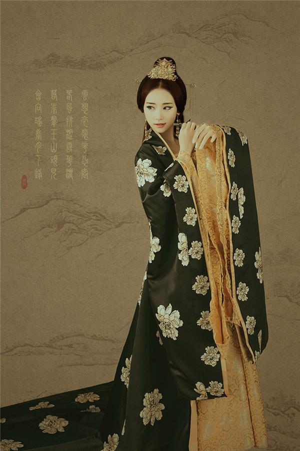 中国风简笔画后期作品:清平调·花想容