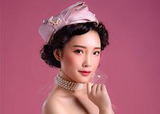 百变新娘 不同造型展示不同魅力