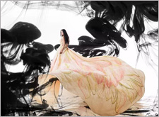何润东婚纱照辣眼睛 来欣赏真正气势恢宏的婚纱摄影