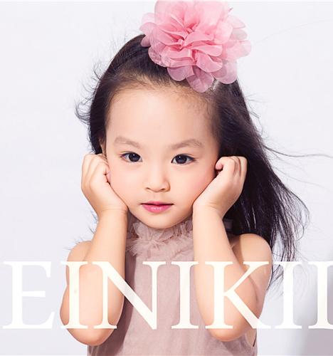 化妆小女孩(3)_儿童摄影_黑光图库_黑光网图片