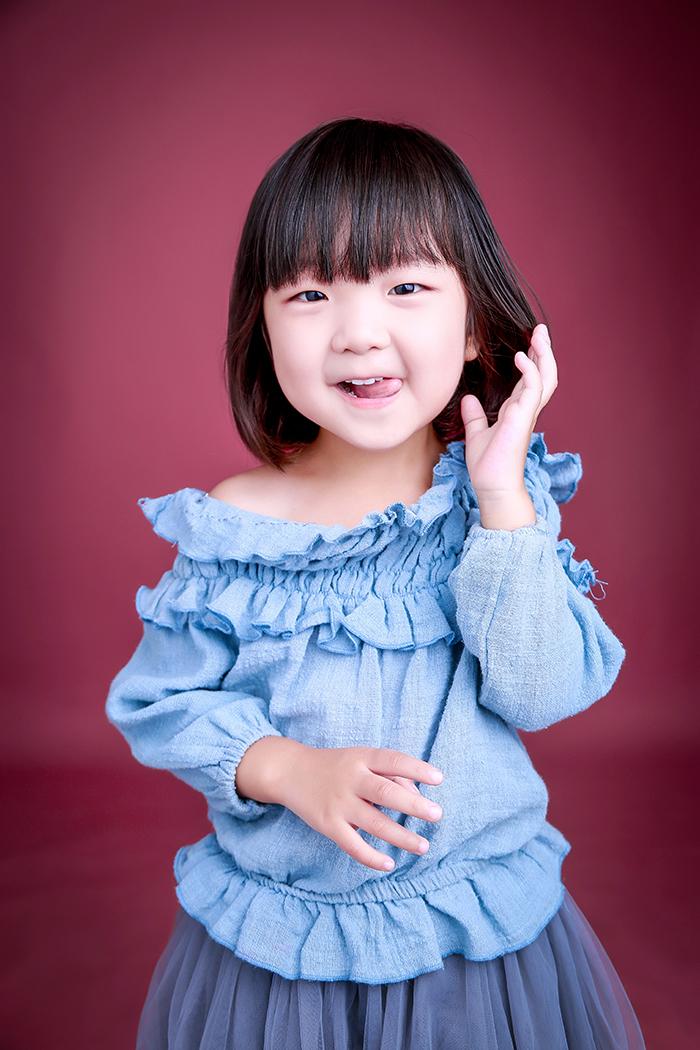 化妆小女孩(6)_儿童摄影_黑光图库_黑光网图片