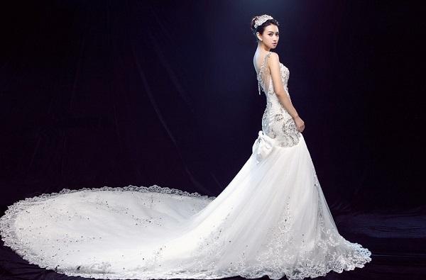 婚纱礼服市场处于红利期 应加快自有品牌建设