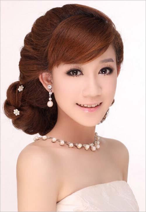 新娘编发盘发步骤 简单教程打造超优雅发型