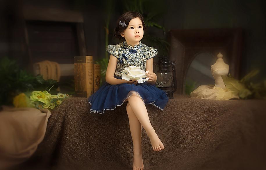 复古女孩(4)_儿童摄影_黑光图库_黑光网