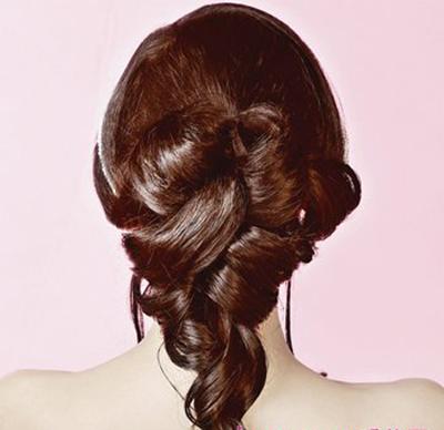 简洁的韩式新娘发型制作步骤解析(2)