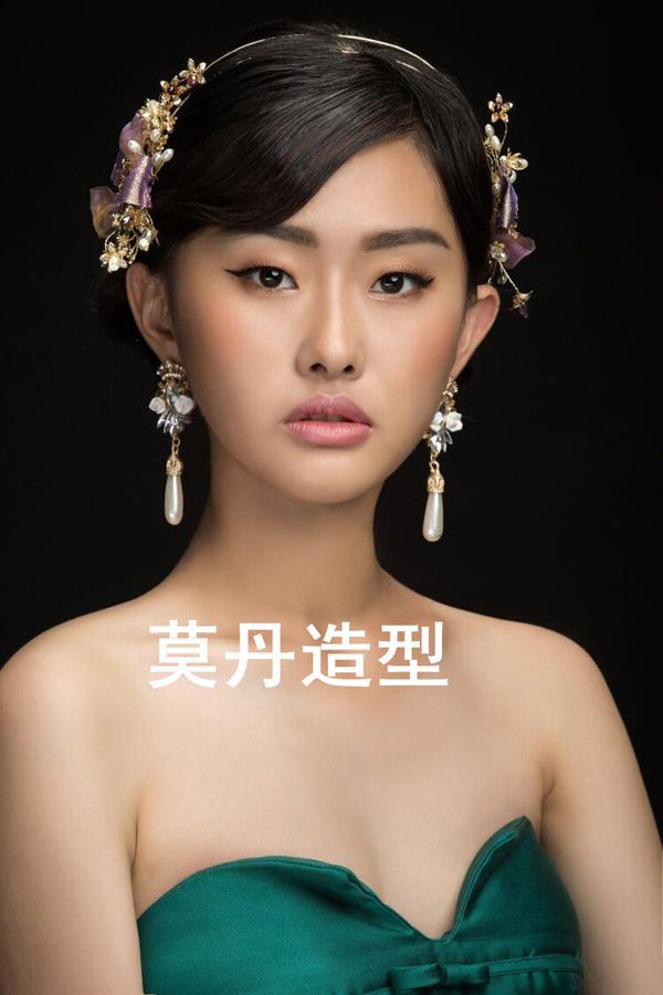 大气的复古巴洛克新娘造型 尽显女王范_妆面赏析_影楼