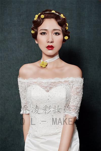 经典手推波纹新娘发型 优雅复古韵味十足