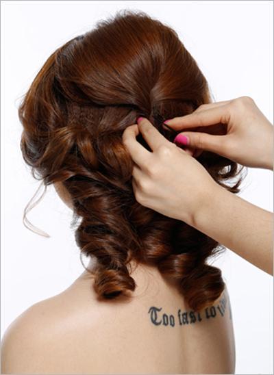 齐刘海新娘发型扎法步骤