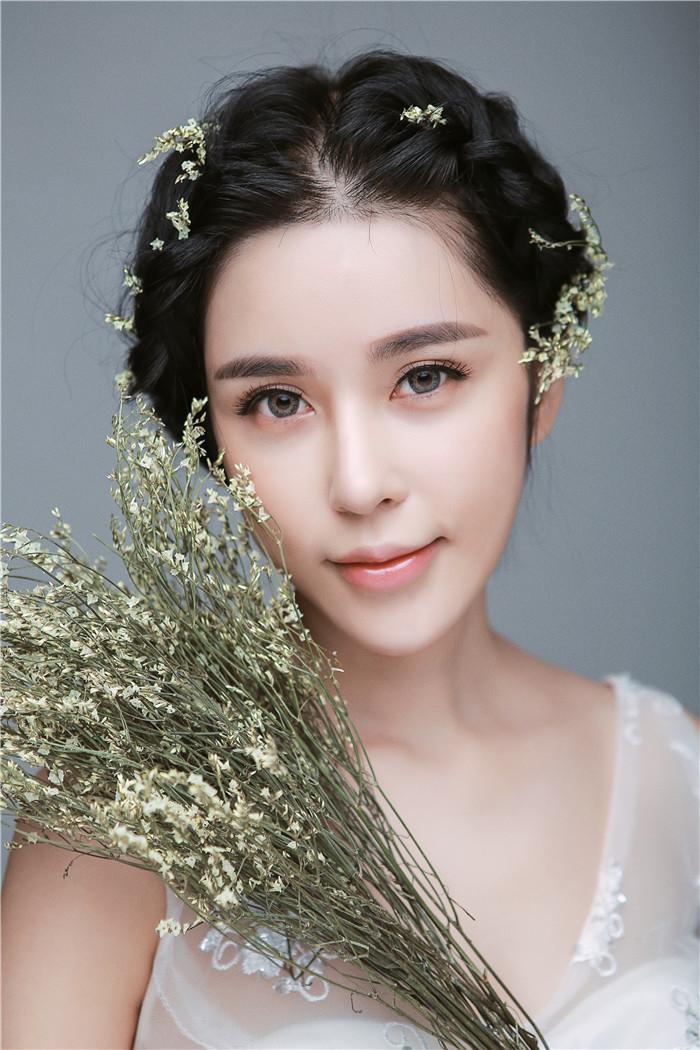 浪漫主义经典新娘婚纱造型(全)_化妆造型_黑光图库
